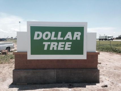 Sign for Dollar Tree